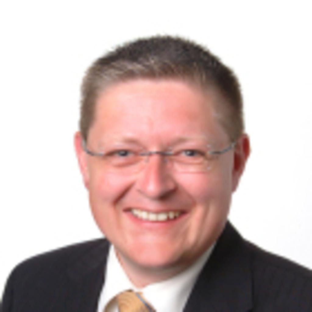 Manfred spiegel gesch ftsf hrer spiegel finanzconsult for Spiegel xing lai