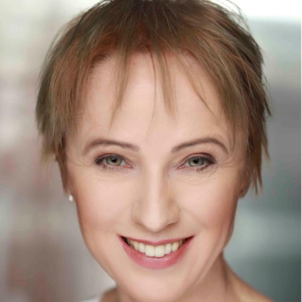 Claudia Hilker (Xing)