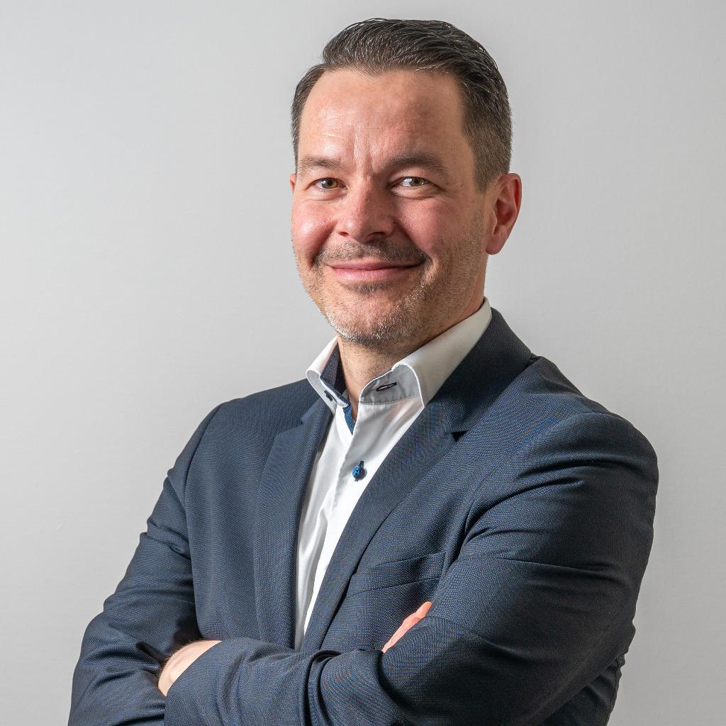 nico jung  head of digital sales transformation