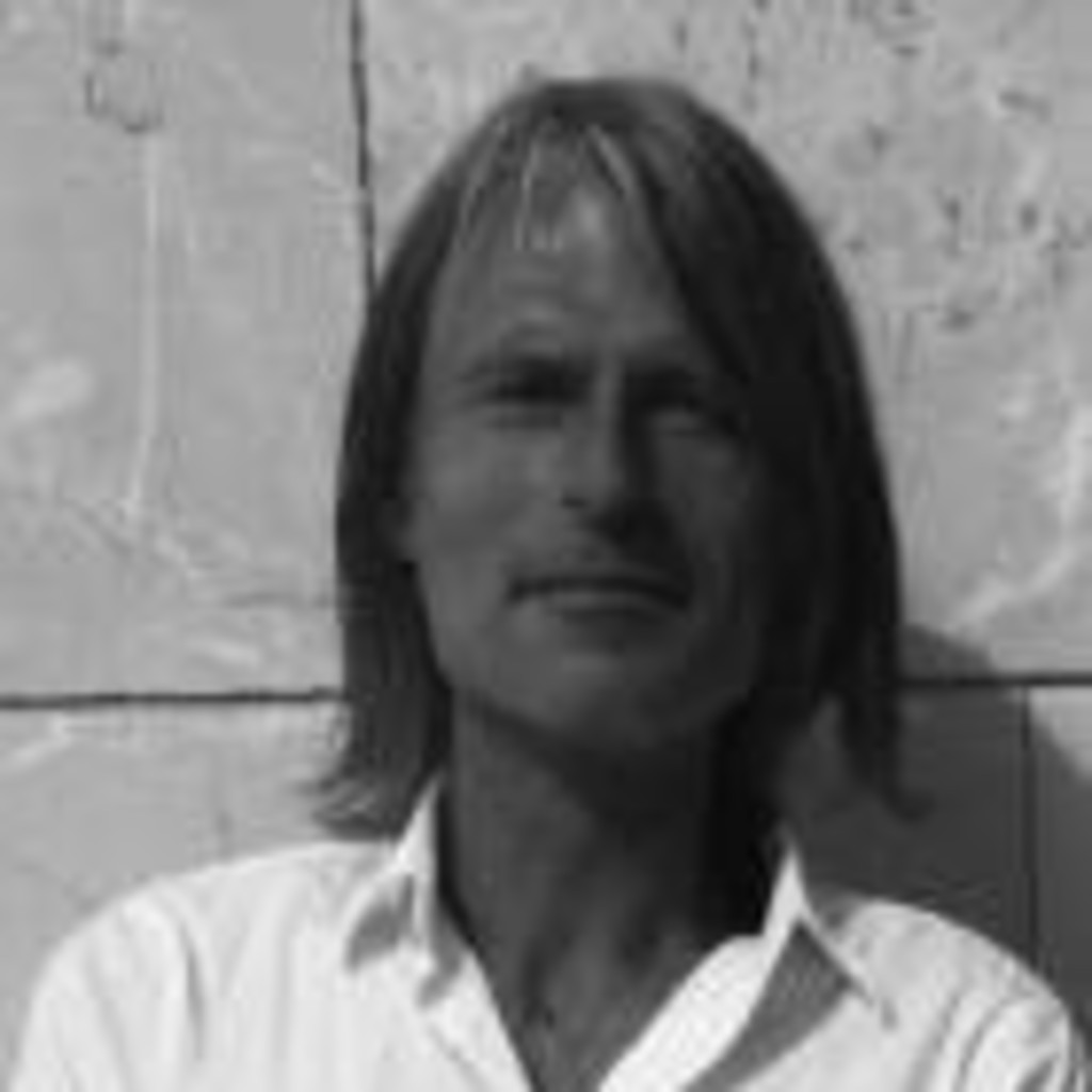 Volker Schmitz - managing director - blue . real estate project ...