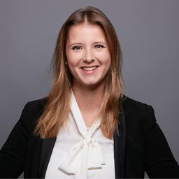 Carina Thum - dgroup - part of Accenture Consulting - Hamburg
