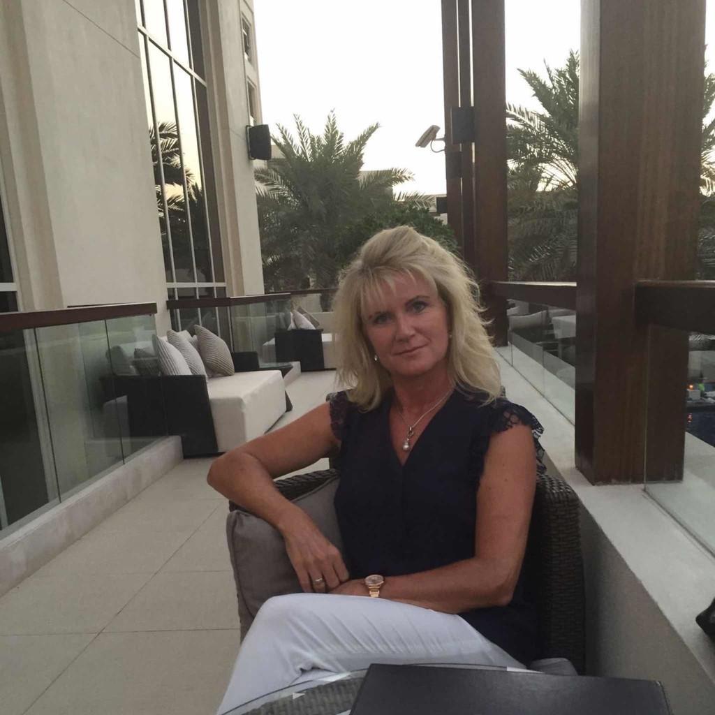 Jasmin Stelzer Technischer Vertrieb Hms Industrial