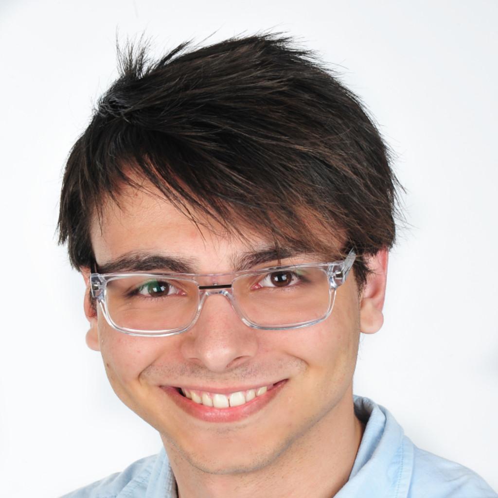 Evan evangelidis junior consultant matrix technology for Junior consultant
