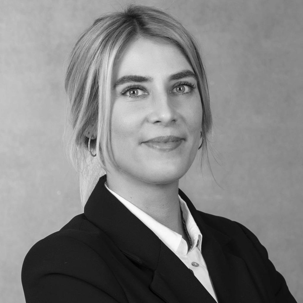 Fabienne Charlotte Kern Immobilienkauffrau Bienen Partner