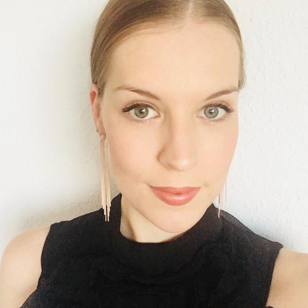 Laura Börner - Marketing Manager Brand & PR - Ströer ...