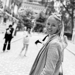 Claudia Bettina van Moll