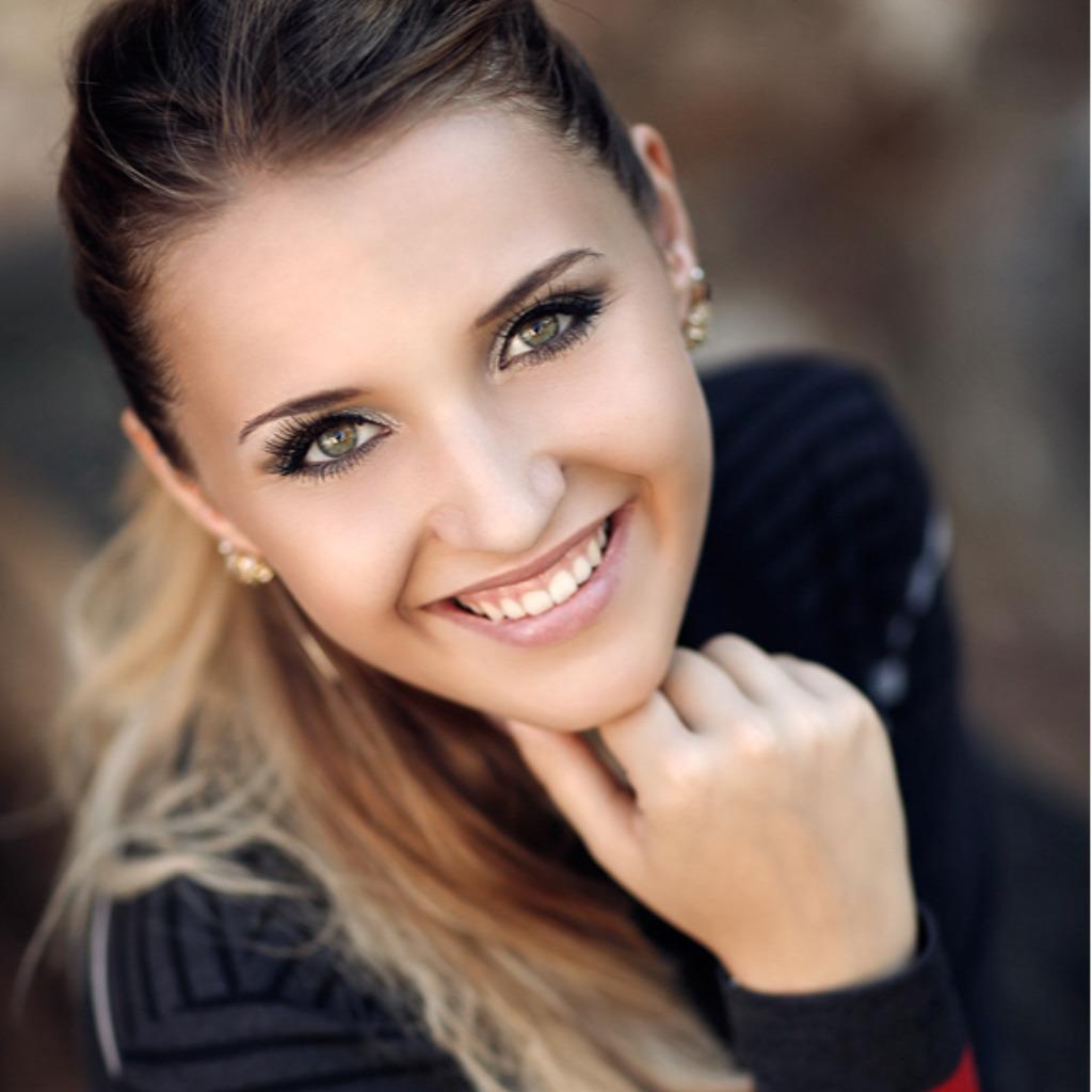 Julia Gabriel's profile picture