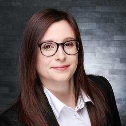 Nicole Babirecki - Olympus Europa SE & Co. KG - Hamburg