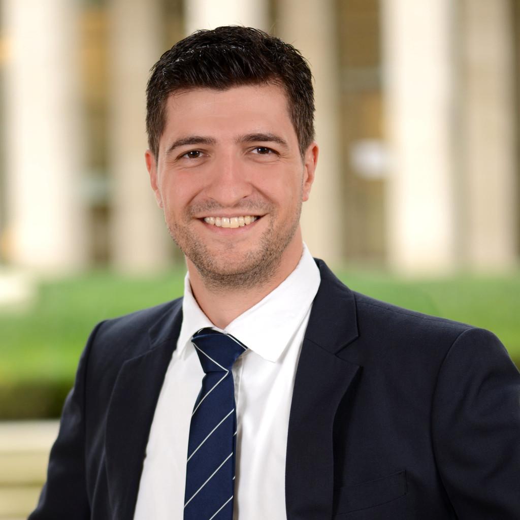 Hannes gottschlich senior manager finance accounting for Home24 gmbh