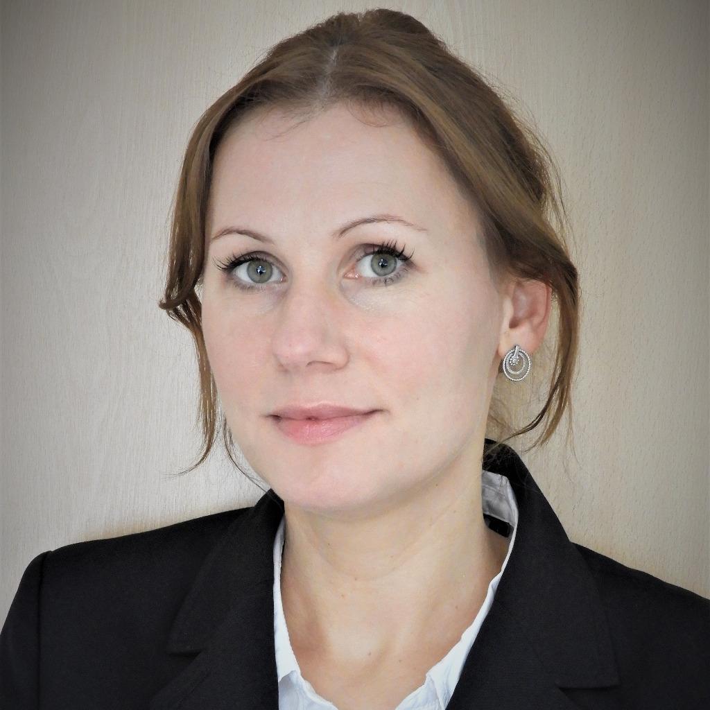 Dorothee Dienstbühl