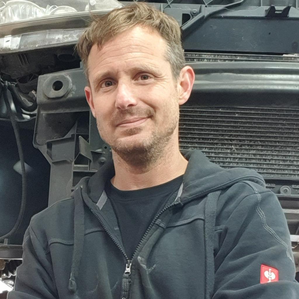 Gregor kunkel diplom ingenieur architektur fh robin for Offenbach fh