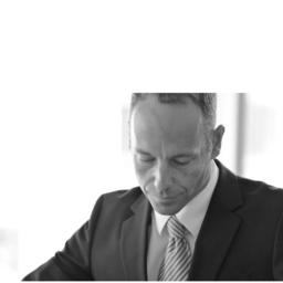 Dr. Tobias Wagner - AIS Management GmbH - Garmisch-Partenkirchen