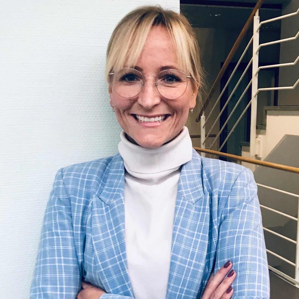 Saskia Nadine Griesbach - Stellvertretender Director Brand