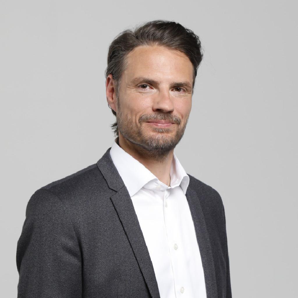 Stefan schlack senior vice president marketing product for Topdeq service gmbh