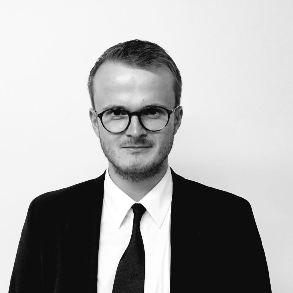 4ff68c8490213 Kristian Treder - Assistant Store Manager - Prada Germany GmbH