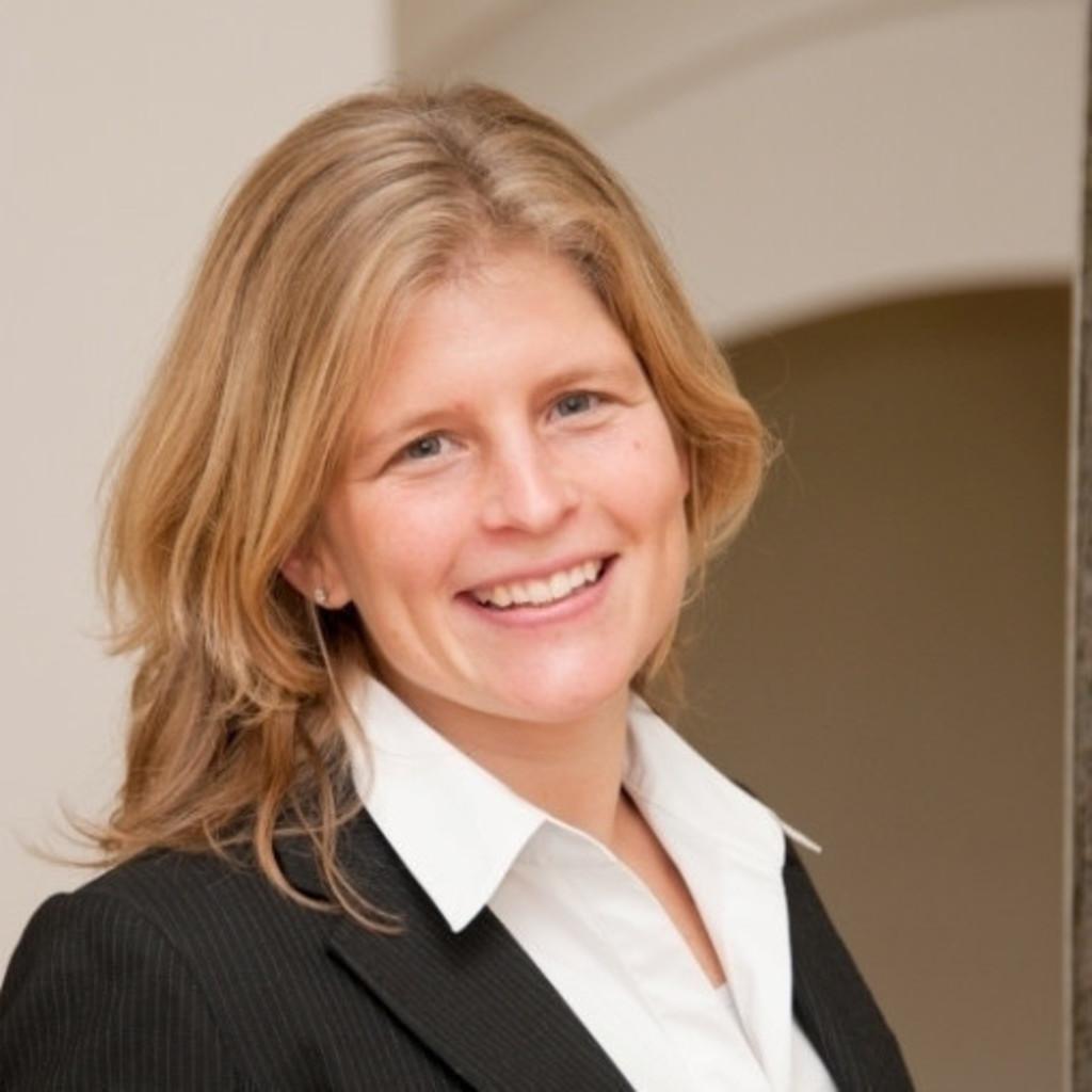 <b>Julia Müller</b> - Human Resources Generalist - OMICRON electronics Deutschland ... - julia-m%C3%BCller-foto.1024x1024