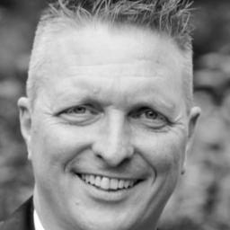 Uwe Echternacht - accentis Solution Holding AG - weltweit