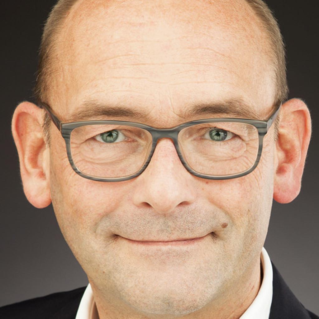 Lutz elfenbein innenarchitekt objekteinrichtungen xing for Innenarchitektin frankfurt