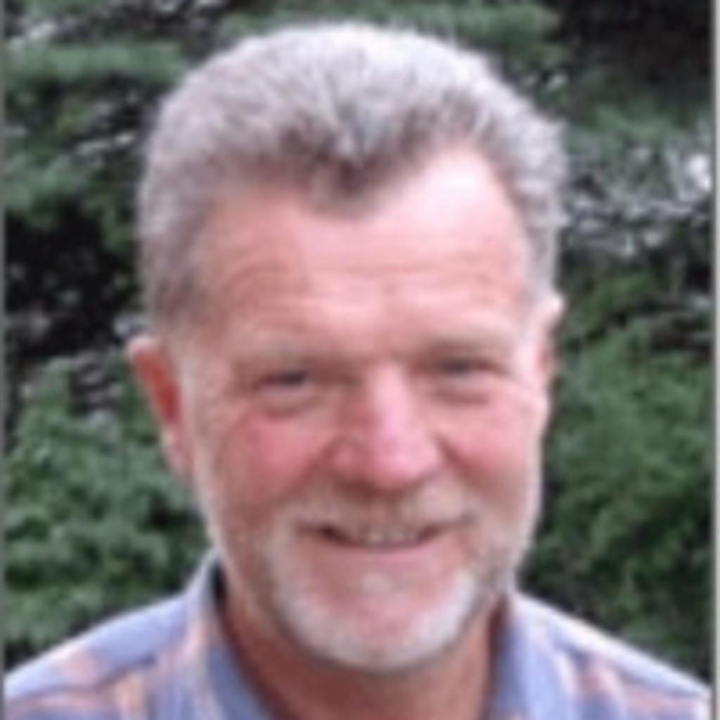 Dr Klaus Schneider