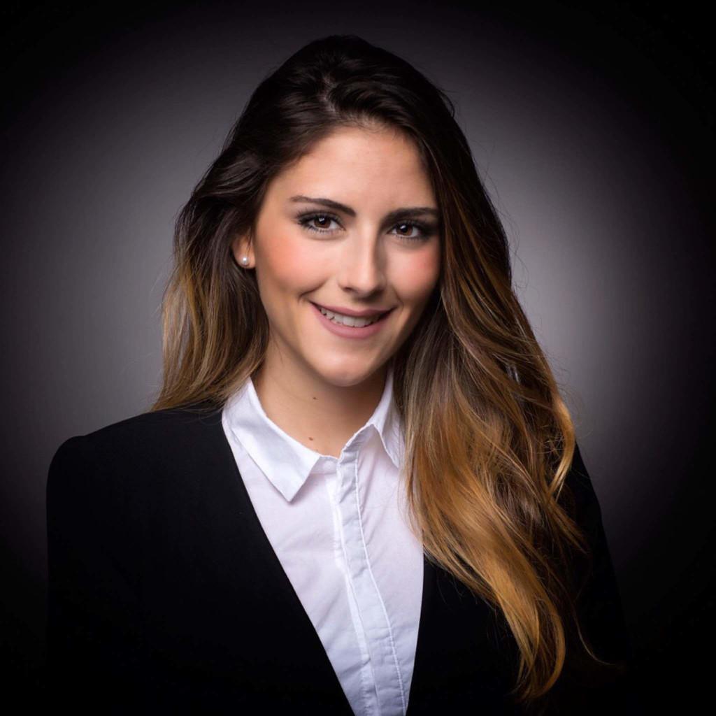 lorena lucia reisch - relationship manager