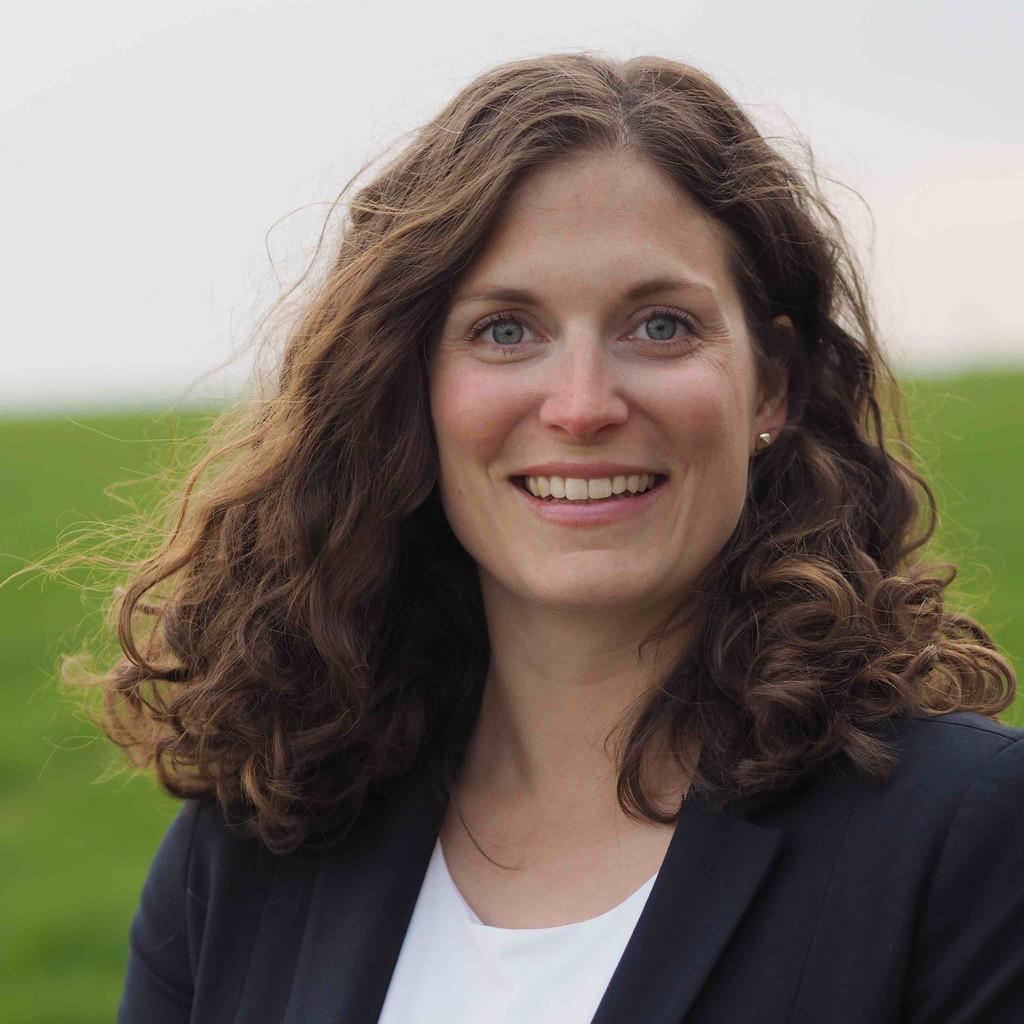 Marie Ernst Fachliche Assistenz Baureihenleiter C D Suv Crossover Audi Ag Xing