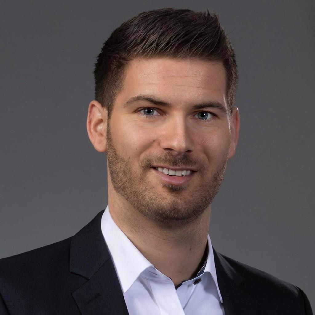 Carsten mann controller international lidl stiftung for Mann mobilia zentrale