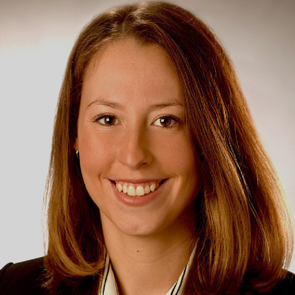 Carina Sommerfeld E Commerce Operations Assistant Toys R Us Xing