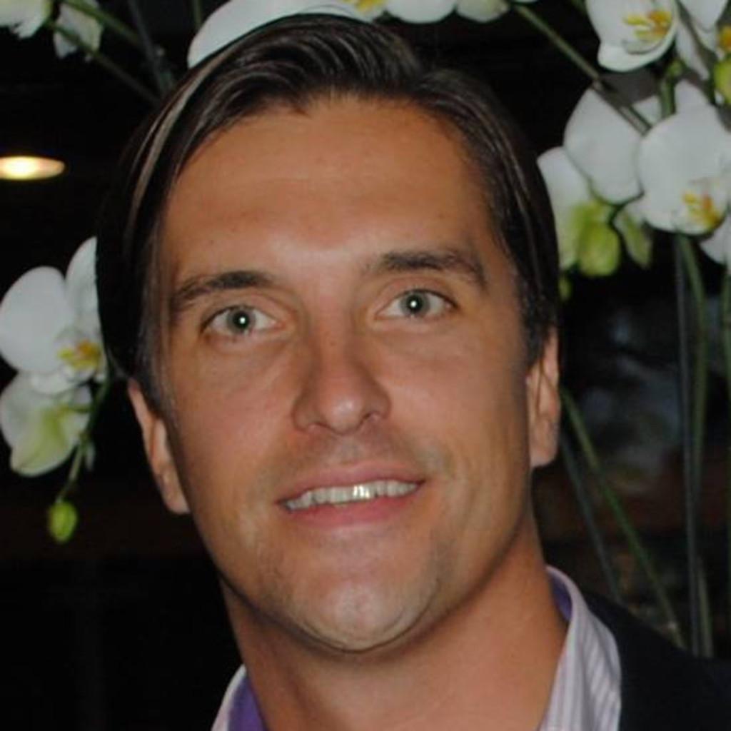 Cash N Carry >> Adrian von Meiss - Geschäftsführer & Partner - carry n ...