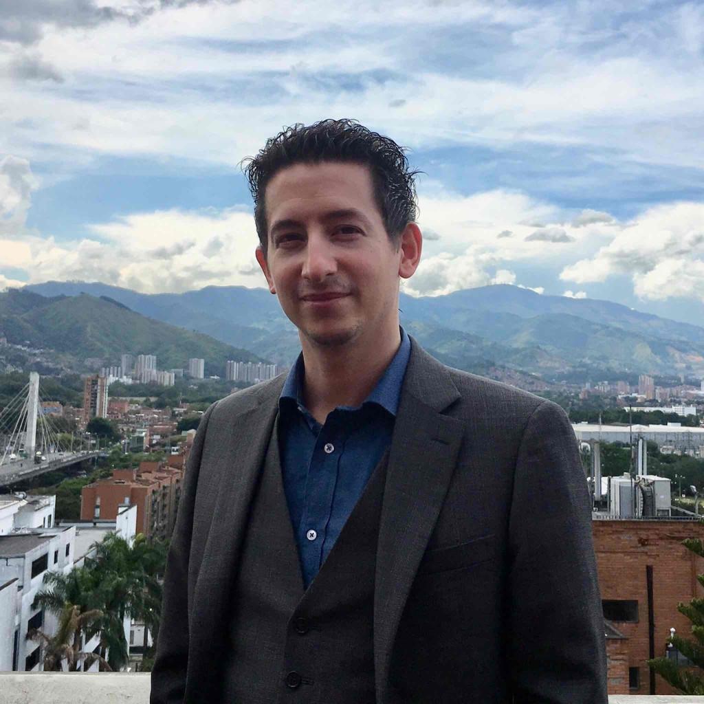 Markus spiegel architect advanced customer engineer for Spiegel xing lai