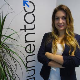 Laura Magnani's profile picture