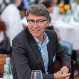 Thomas E. Wenzel - United Salon Technologies GmbH (Werhahn-Gruppe Neuss) - Frankfurt