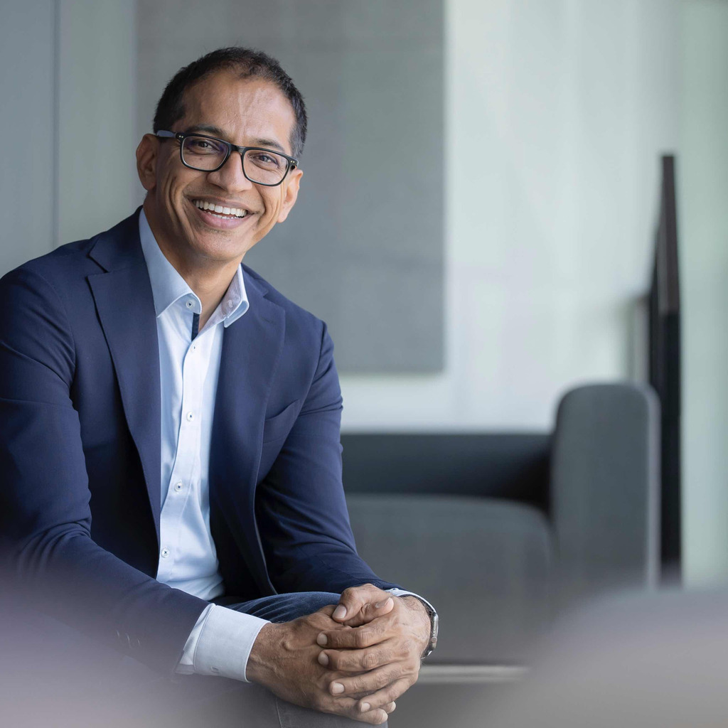 Sajjad Khan Executive Vice President Daimler Ag