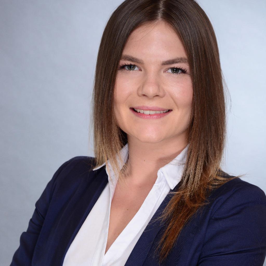 Julia König