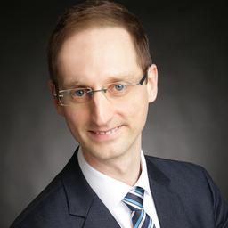 Dr. André Villano