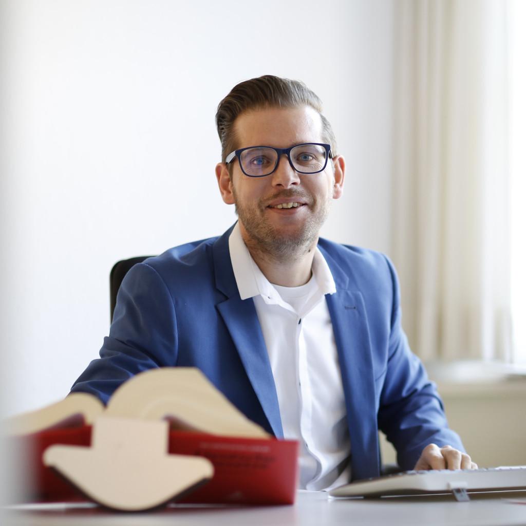 Dr uli rentsch partner reinke partner xing for Juristischer mitarbeiter