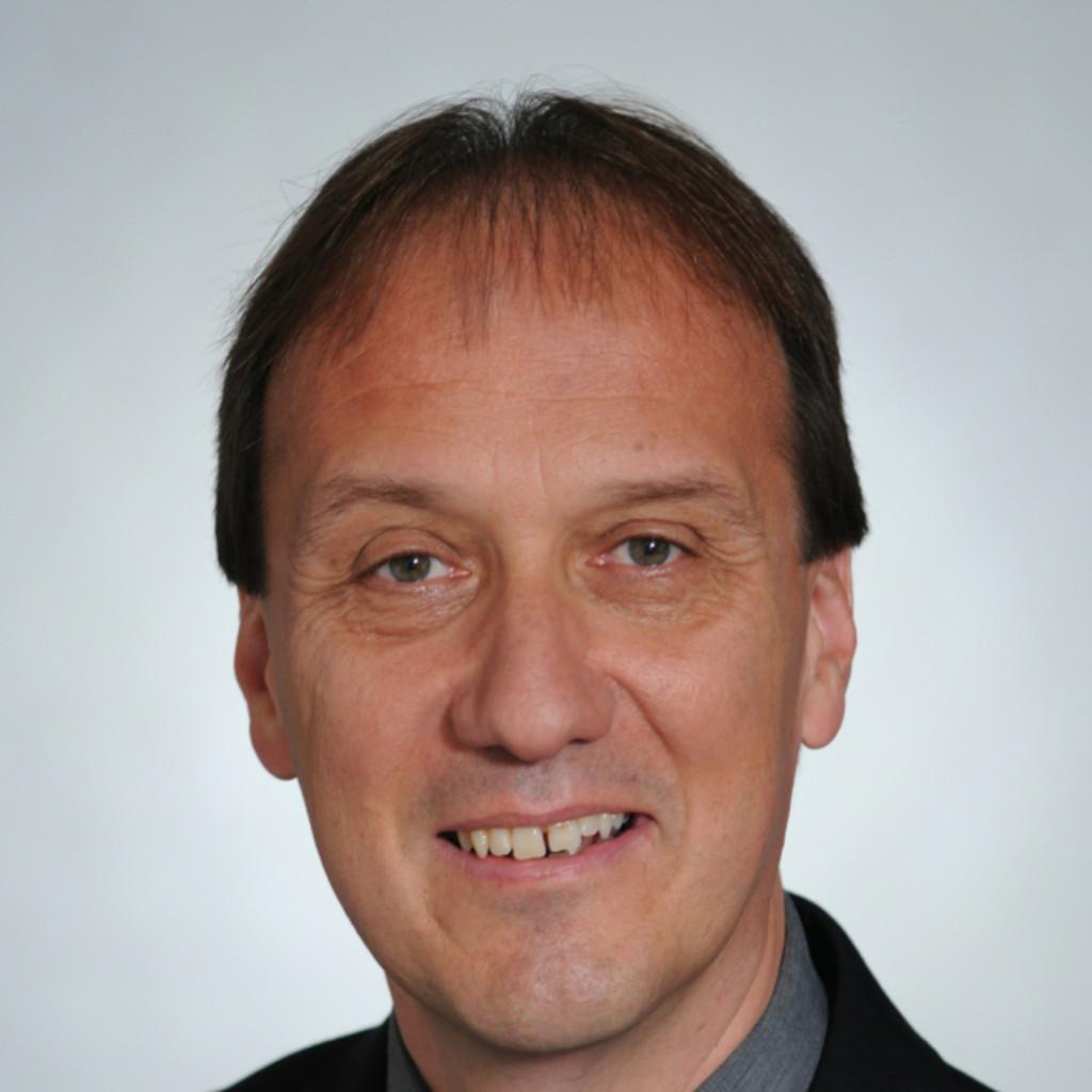 Peter Weiß Haus: Hans-Peter Weiss - Azure Solution Architekt - Swisscom