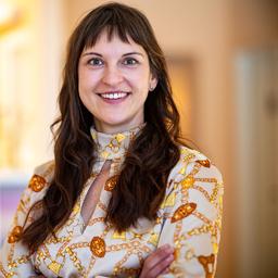 Dr. Nicole Lenz