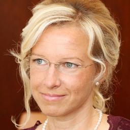 Nadine J. Duschek
