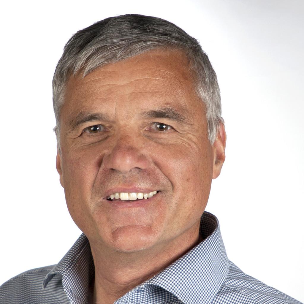 <b>Sebastian Priller</b> - Mitglied der Geschäftsführung, Leiter Marketing ... - noldi-peter-foto.1024x1024