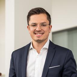 Florian-Lukas Müller - IBM Deutschland GmbH - München