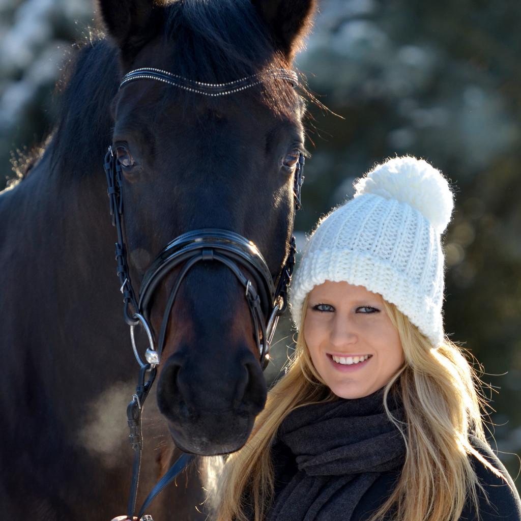 Katharina Die Große Pferd Gestell: Pferdeverhaltenstherapeutin