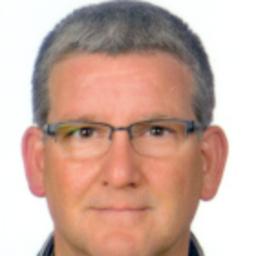 Oliver holland kaufmann manrolandsheetfed xing for Kaufmann offenbach
