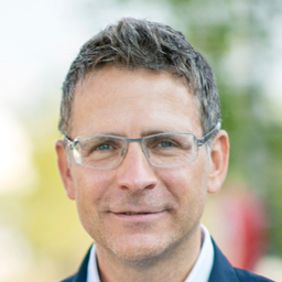 Dr. Florian Novak