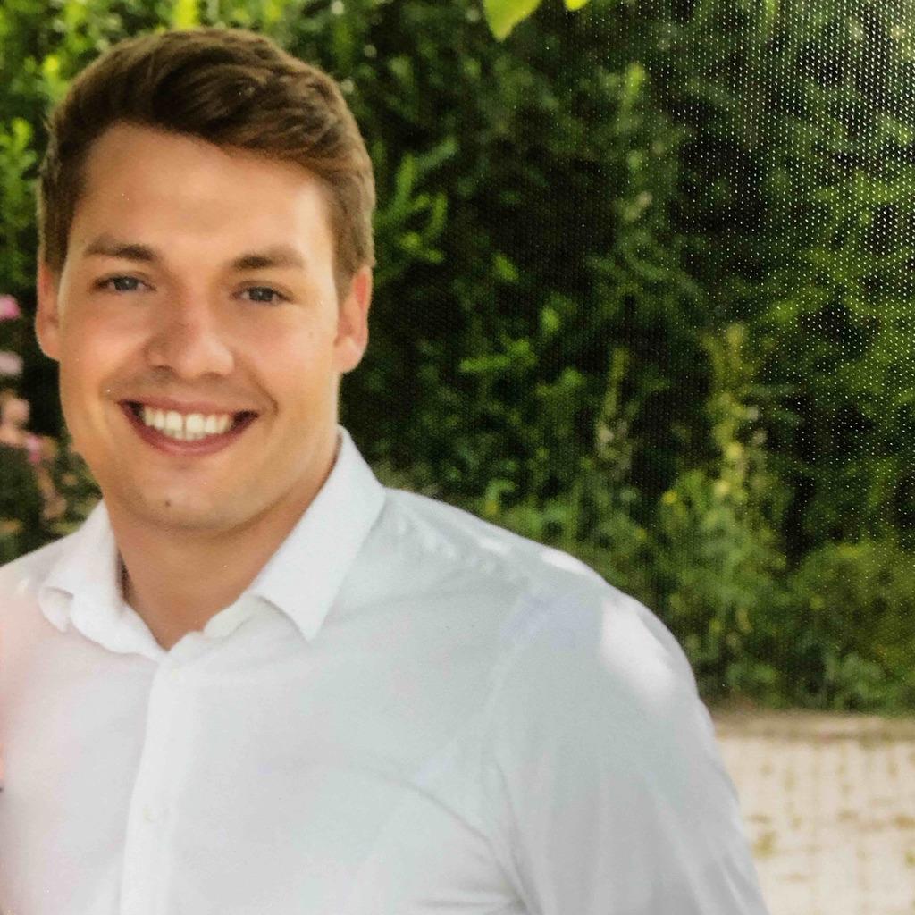 Frederik Kunz - Projekteinkäufer Rohbau/Exterieur/Interieur - Dr ...