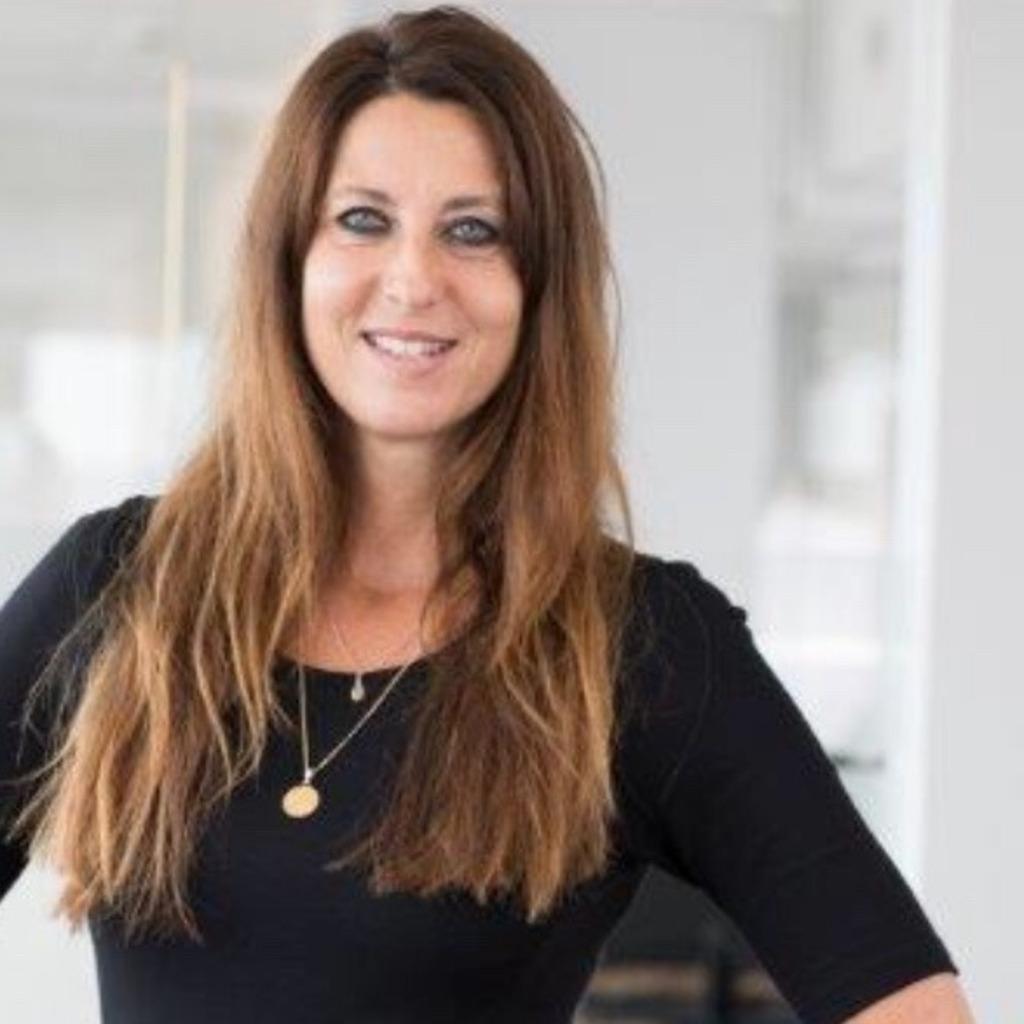 Stephanie Adolpffs Leiterin Leistung Und Schaden Admiraldirekt