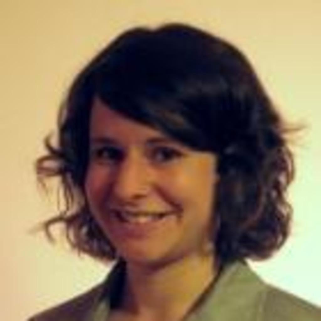 <b>Daniela Zettl</b> - Management and International Business - Karl Franzens ... - daniela-zettl-foto.1024x1024