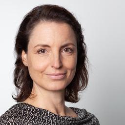 Dr. Nana Walzer