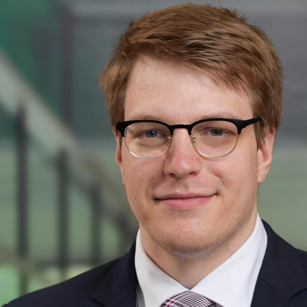 Lukas schwabe junior consultant predictive analytics for Junior consultant