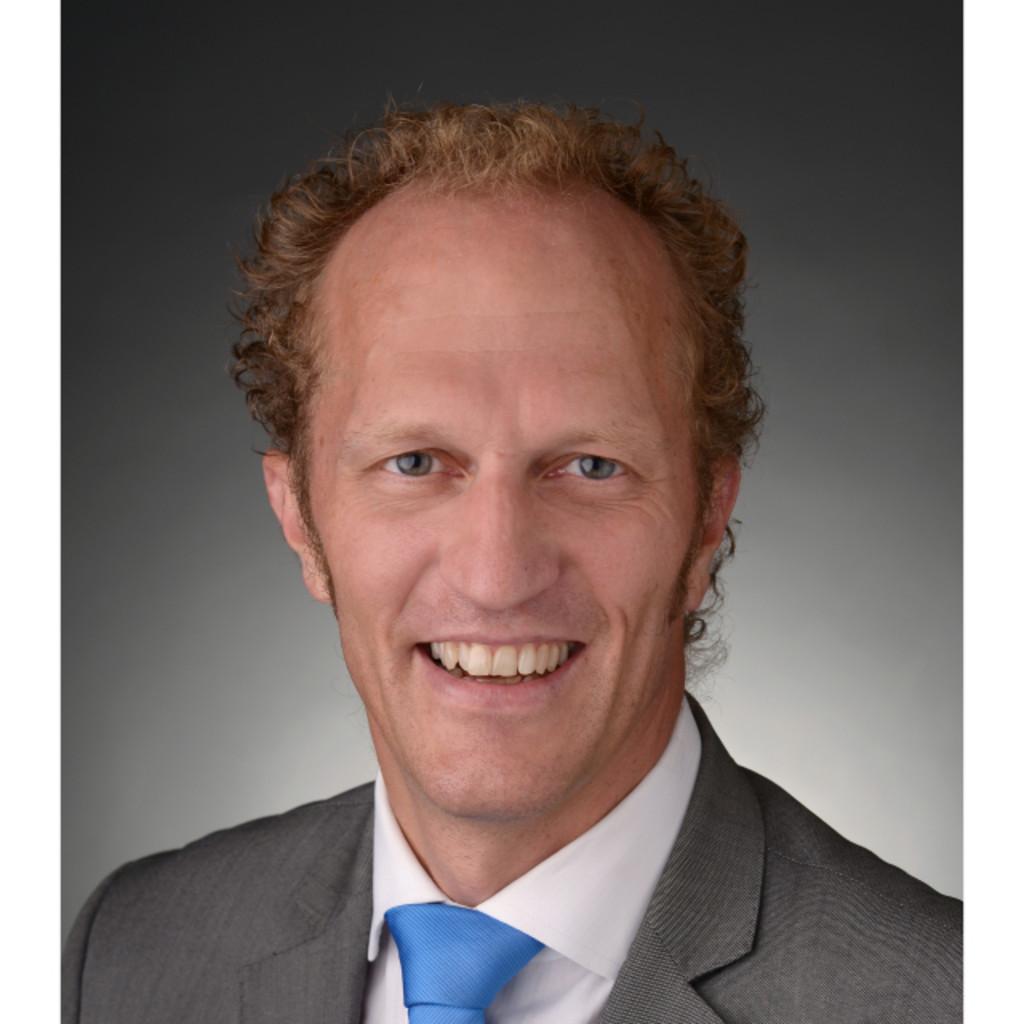 Michel kaufmann teamleiter finanzberater iaf for Iaf finanzberater