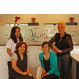 polished salon owner polished nail bar and hair salon xing. Black Bedroom Furniture Sets. Home Design Ideas